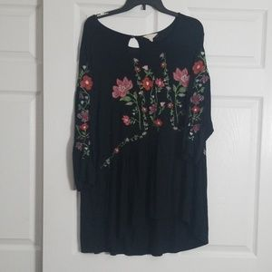 3/4 sleeve cotton shirt floral embroidery